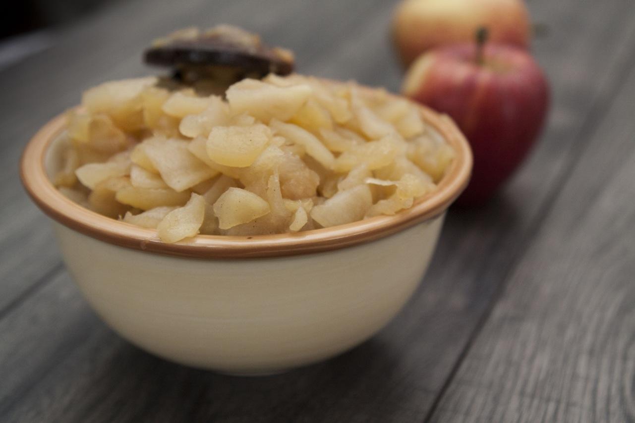 kruchy placek z jabłkami